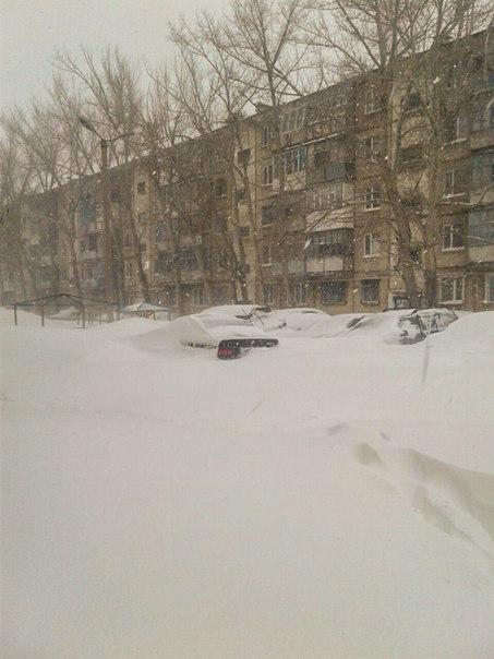 cars-under-snow
