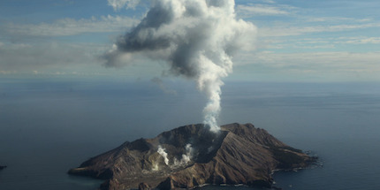 volcanic-eruption-april-2016-1