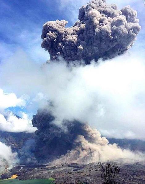 rinjani-eruption-b3