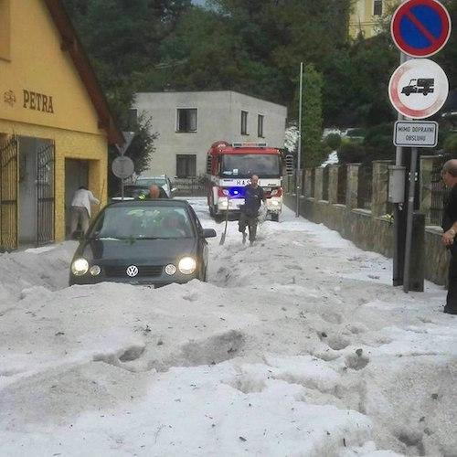 Czech-hail-02