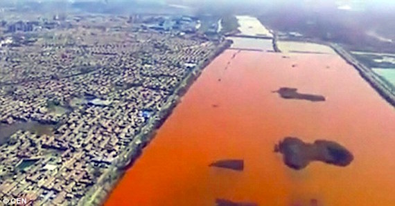blood-red-river-china-2
