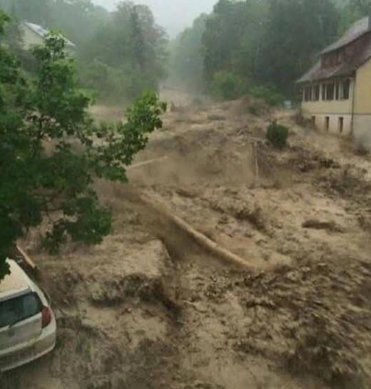ドイツでの黙示録的な洪水:「数...