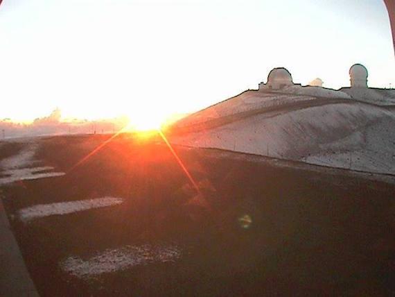 Mauna-Kea-snow-0612-01