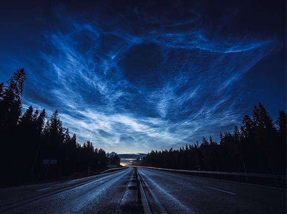 strange-noctilucent-clouds