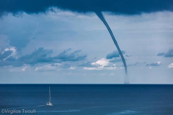 waterspout-in-skopelos