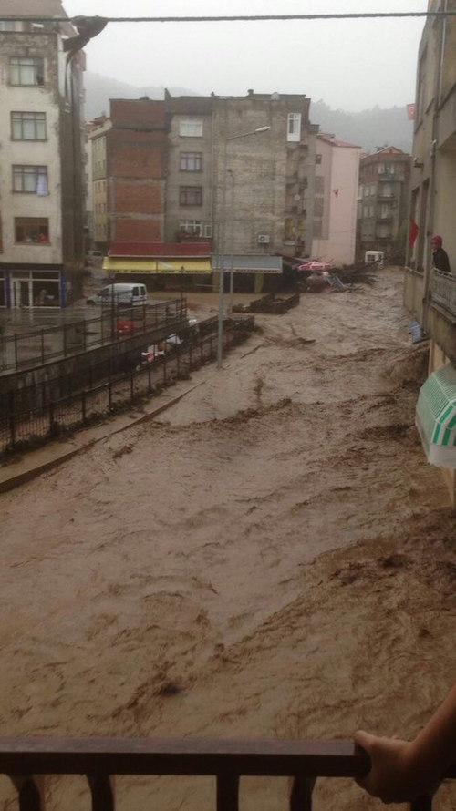 floods-river-01