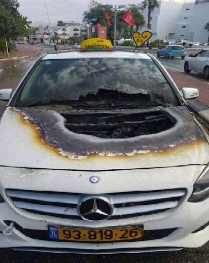 car-struck-by-lightning-02