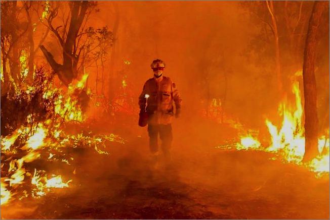 オーストラリア 火災 鎮火