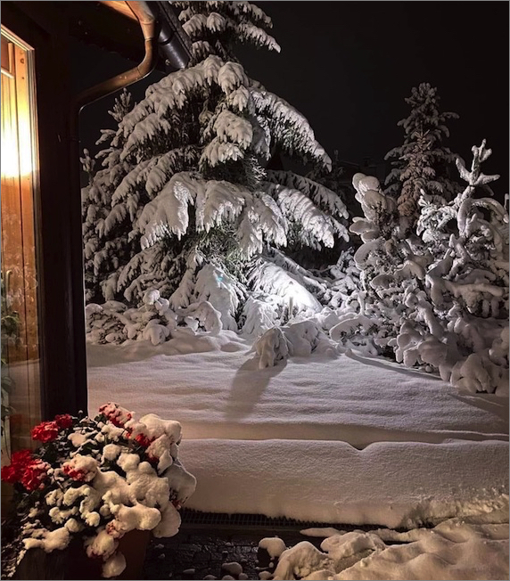https://earthreview.net/wp-content/uploads/2020/09/italy-snow-0926.jpg